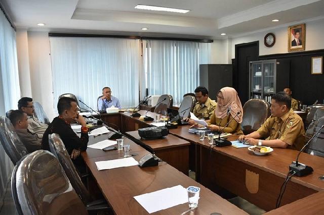 Komisi III gelar rapat kerja bersama BKD Pekanbaru