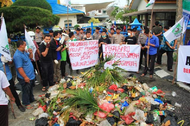 2017 Mendatang DKP Pekanbaru tak Lagi Kelola Sampah, ini Kata DPRD