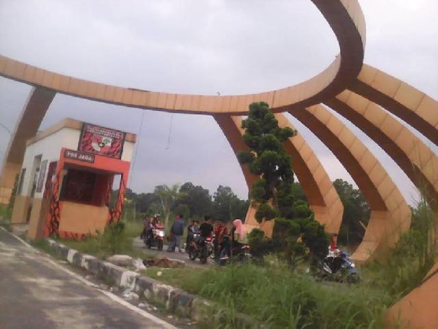 Oknum PP minta Uang di Stadion Utama Riau