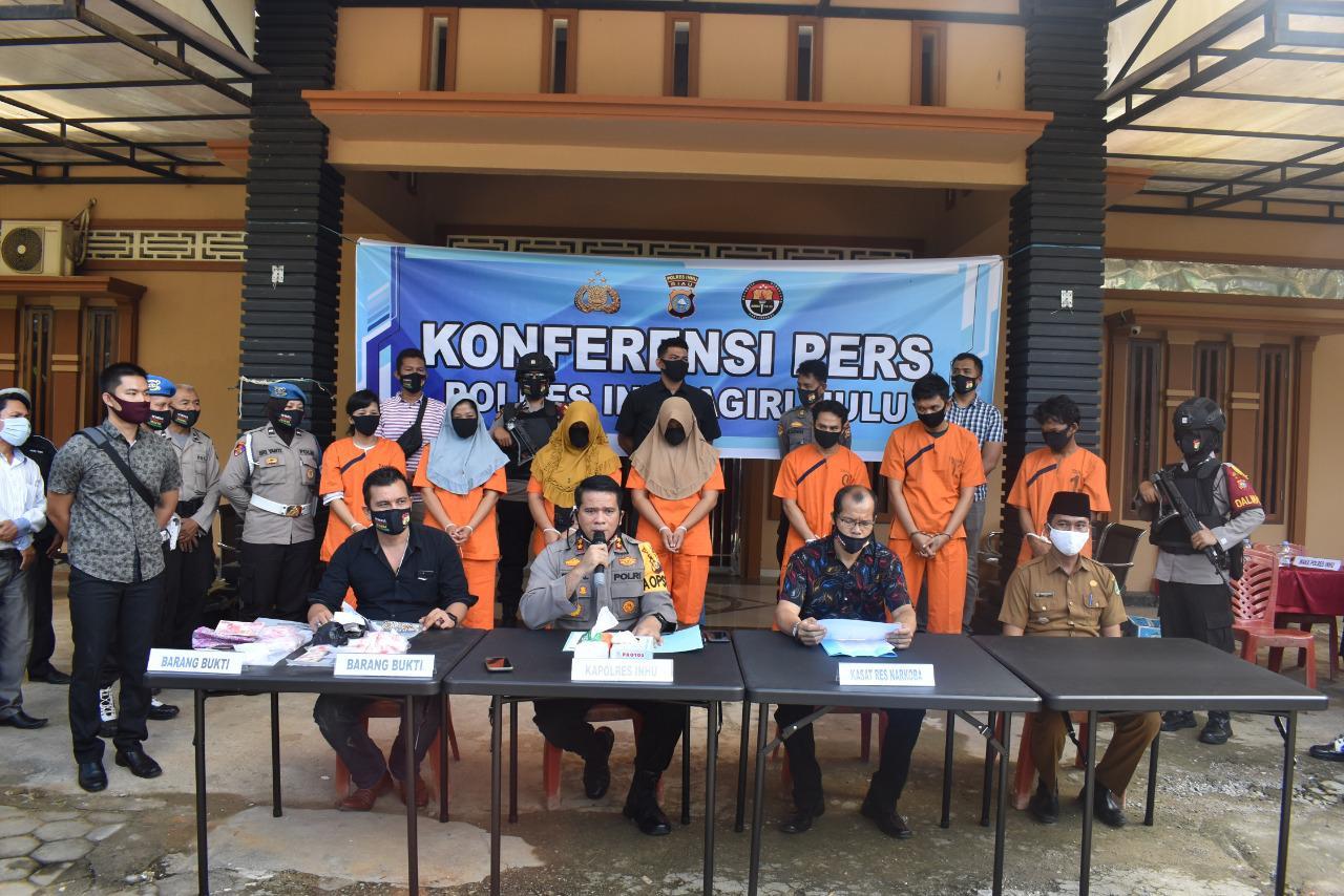 Terlibat Peredaran Narkoba, Satu Keluarga di Inhu Ditangkap Polisi