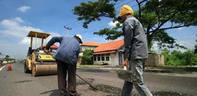 Baru 30 Persen Infrastruktur Jalan di Rohul Beraspal