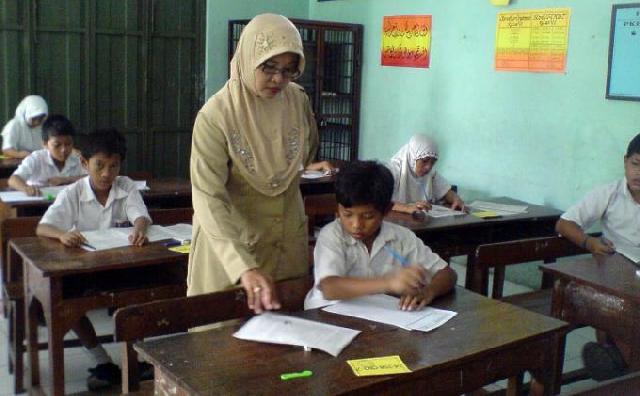 2.500 Guru Honorer Pelalawan Khawatir SK Mereka tak Diperpanjang