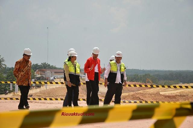 Semoga Cepat Terlaksana, Jokowi Sebut Tol Pekanbaru-Dumai Sudah Cepat Dikerjakan, Tol Pekanbaru-Padang Menyusul
