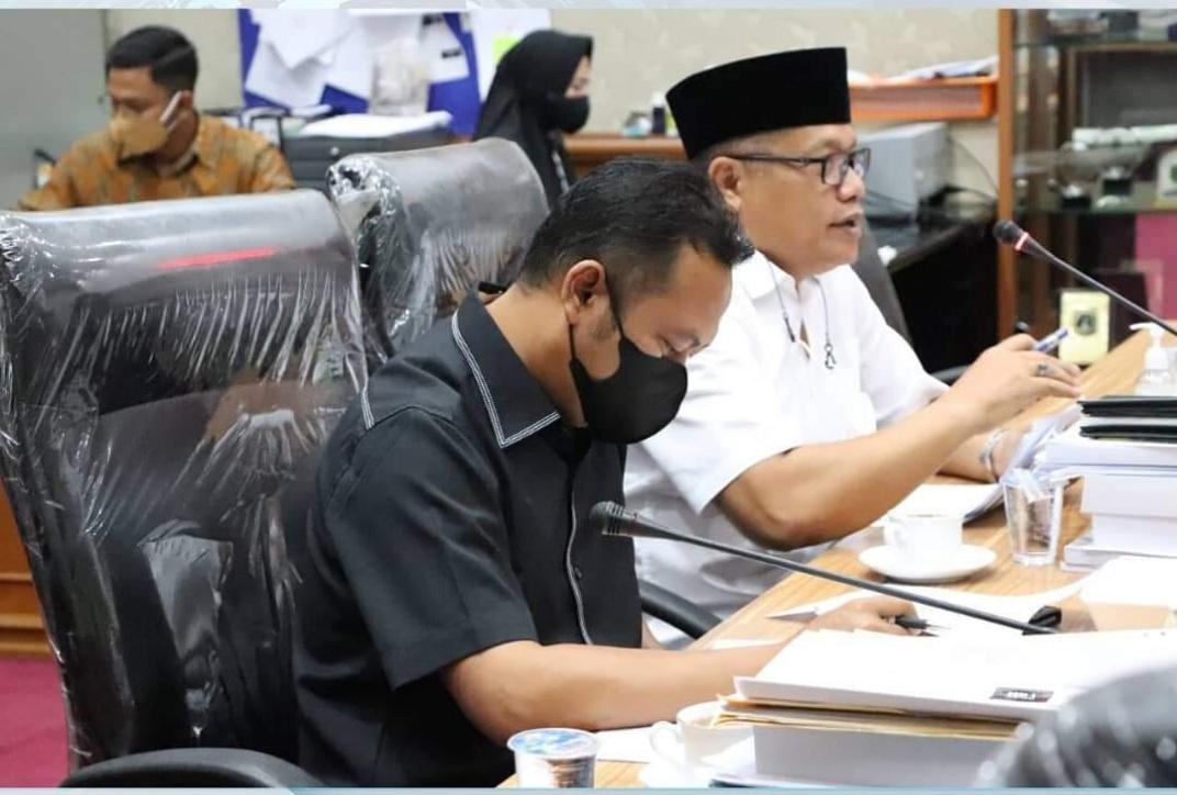Komisi II DPRD Riau Rapat Dengar Pendapat dengan Beberapa Mitra