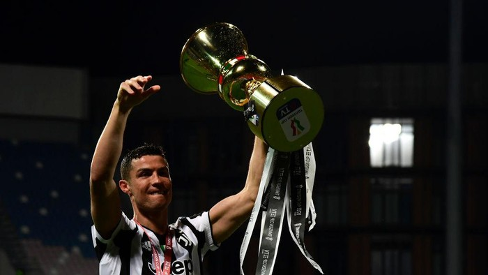Hebat! Ronaldo Pemain Pertama yang Raih Penghargaan Paolo Rossi