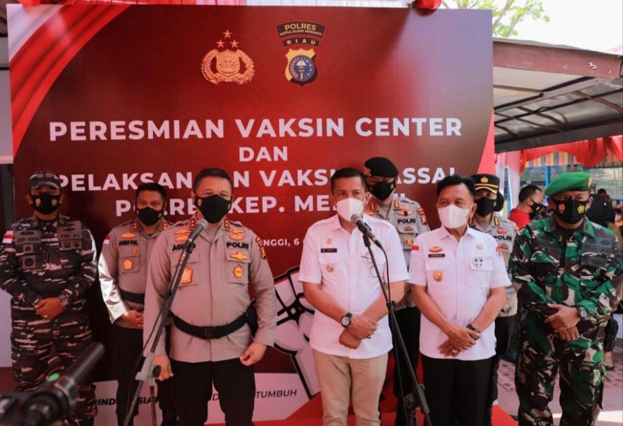Percepat Vaksinasi, Kapolda Riau Resmikan Vaksin Center Polres Meranti
