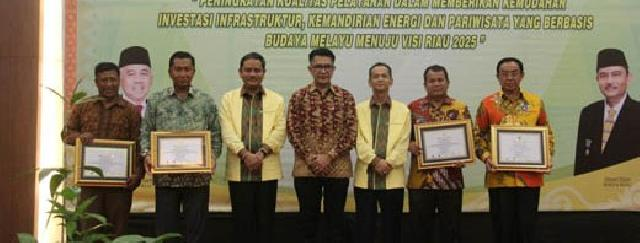 Inhil Raih Penghargaan Riau Investment Award 2016