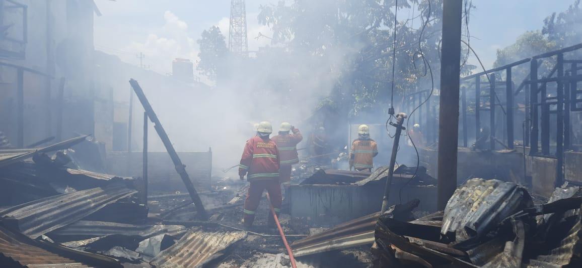 Berasal Dari Api Kompor, Tiga Rumah di Tanjung Rhu Terbakar