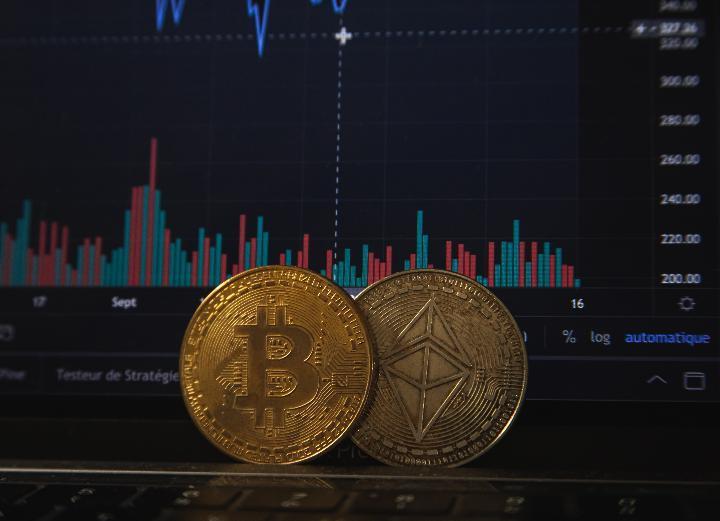 Pakar: Investasi Dogecoin dan Kripto Cara Baru Cari Cuan