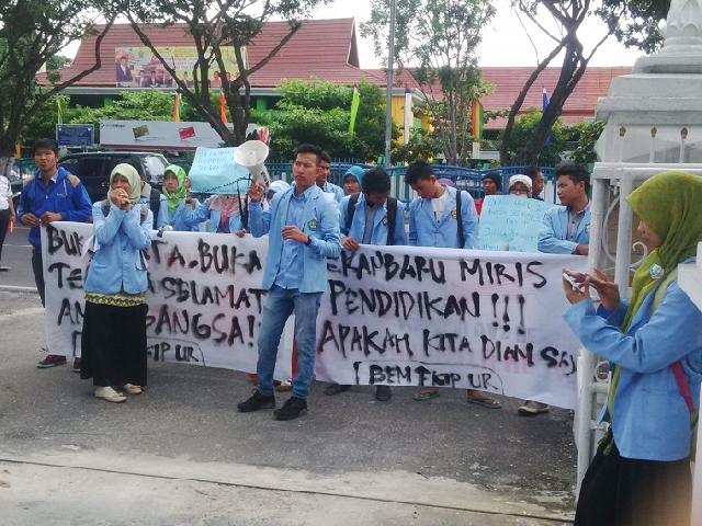 Yayasan Al-Birra Ditutup, Kadisdik Pekanbaru Dituntut Mundur