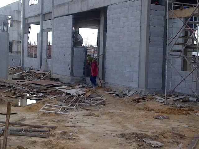 Pembangunan SMP Madani Asal Jadi