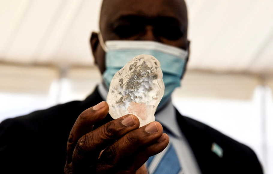 Berlian Terbesar Ketiga di Dunia Ditemukan di Botswana