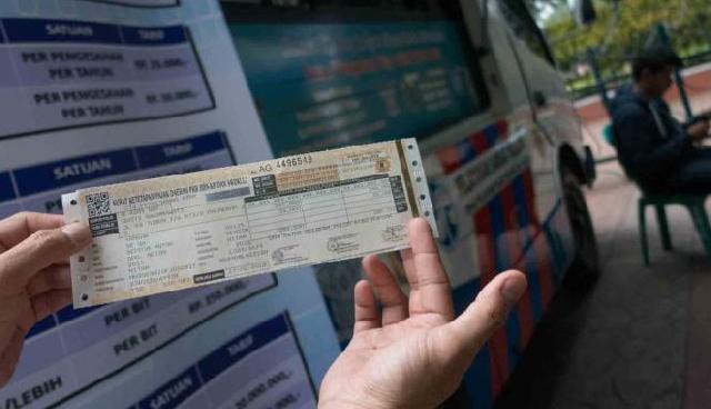 Indef: Kenaikan Tarif Dipicu Turunnya Penjualan Kendaraan