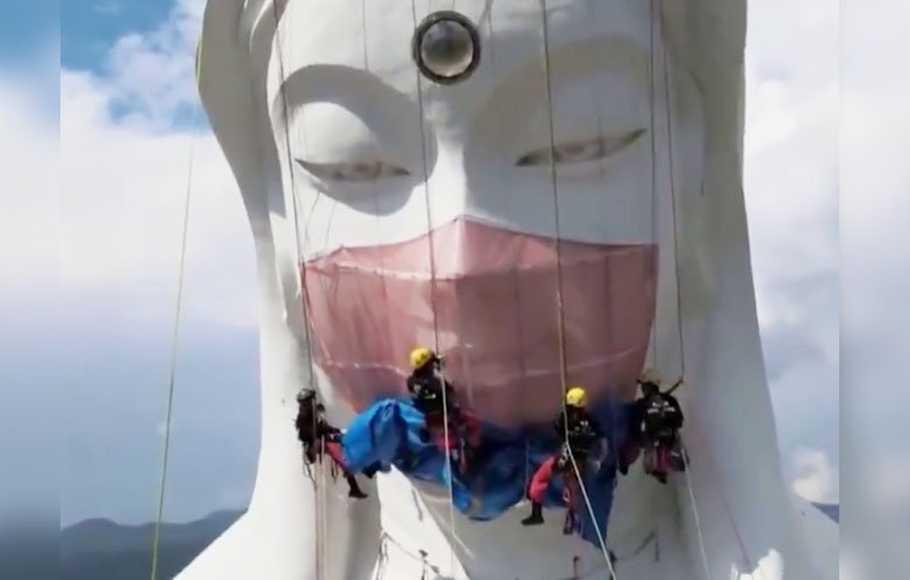Berharap Covid-19 Berakhir, Patung di Jepang Dipasangi Masker
