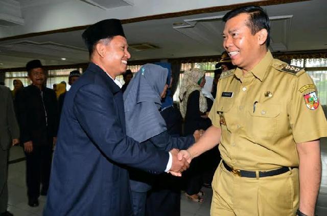 Walikota Pekanbaru Lantik Dewan Pengupahan Pekanbaru Periode 2014-2017