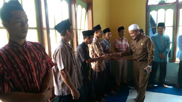 H. Said Hasyim Gelar Maulid Nabi Muhammad Bersama Warga Desa Dedap Kecamatan Tasik Putri Puyu