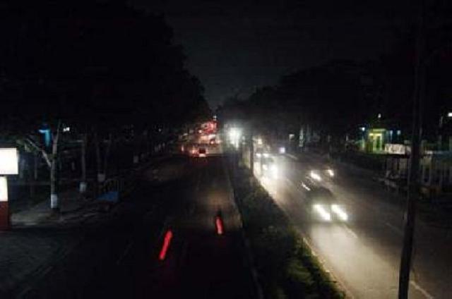 PLN Kembali Ancam Padamkan Seluruh Penerangan Jalan di Pekanbaru