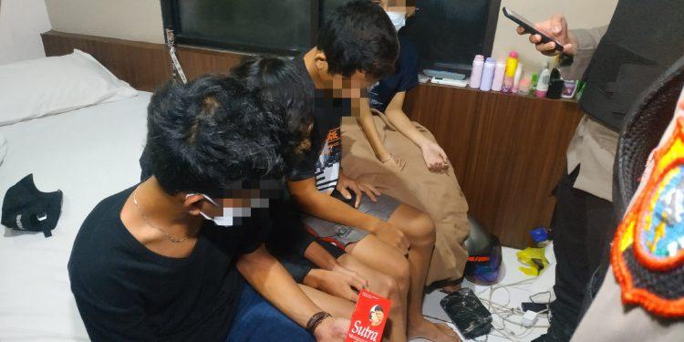 Selain Amankan Belasan Remaja, Tim Bono Polda Riau Juga Temukan Alat Kontrasepsi Beserta Obat Kuat