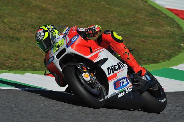 Ungguli Lorenzo, Iannone Rebut Pole Pertamanya